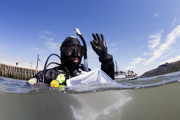 Françoise Gervais returns from a collecting dive in Nain Labrador. © SednaEpic.com - Jill Heinerth